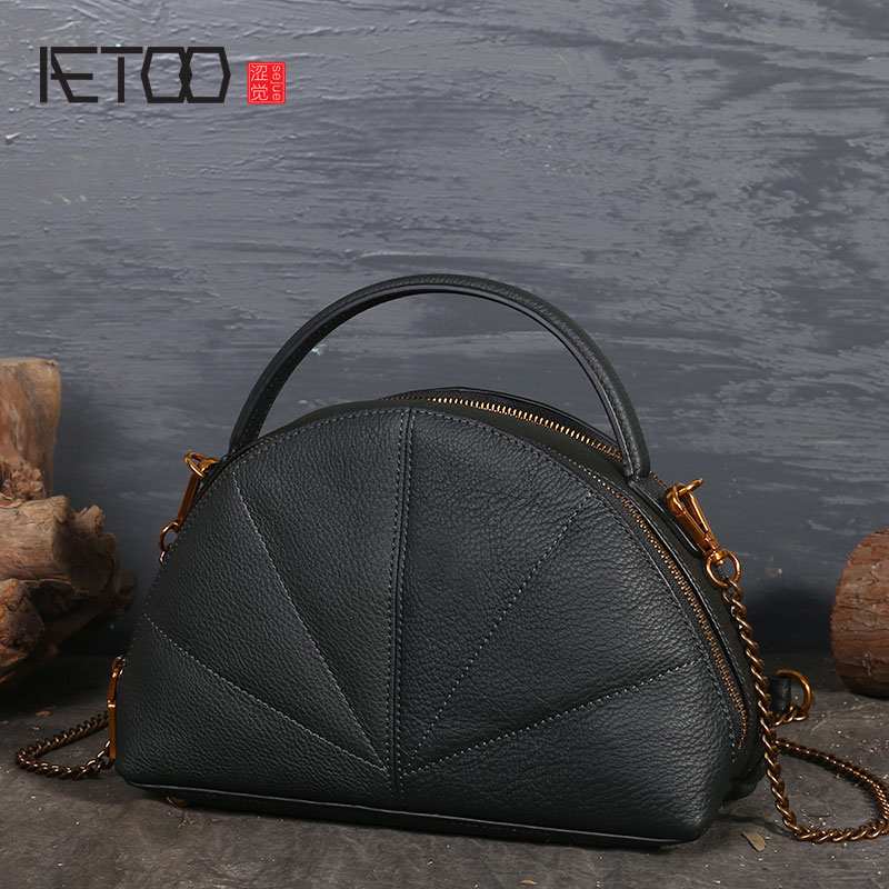 AETOO New first layer of retro semicircle leather dumplings leather shoulder bag handbag Messenger aetoo spring and summer new leather handmade handmade first layer of planted tanned leather retro bag backpack bag
