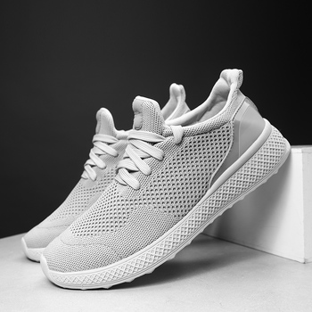 Men Casual Shoes Flyknit Breathable Sneakers 2019 New Fashion Light Breathable Comfort Hombre Zapatos Casuales Men Shoes