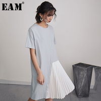 [EAM] 2019 New Spring Summer Round Neck Short Sleeve Black Hit Color Oblique Pleated Loose Dress Women Fashion Tide JR148
