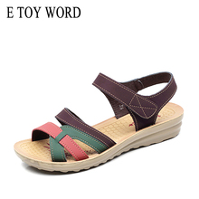 цены E TOY WORD 2019 Summer High Quality Women sandals Mother Soft Leather Flat Sandals Large Size Non-slip Comfortable Woman shoes