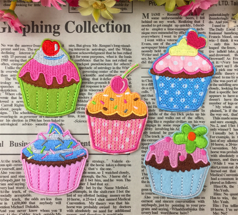 1 X Large Cupcake Embroidered Iron on Sew on Patch motifs  *Buy 1 get 1 30/% Off