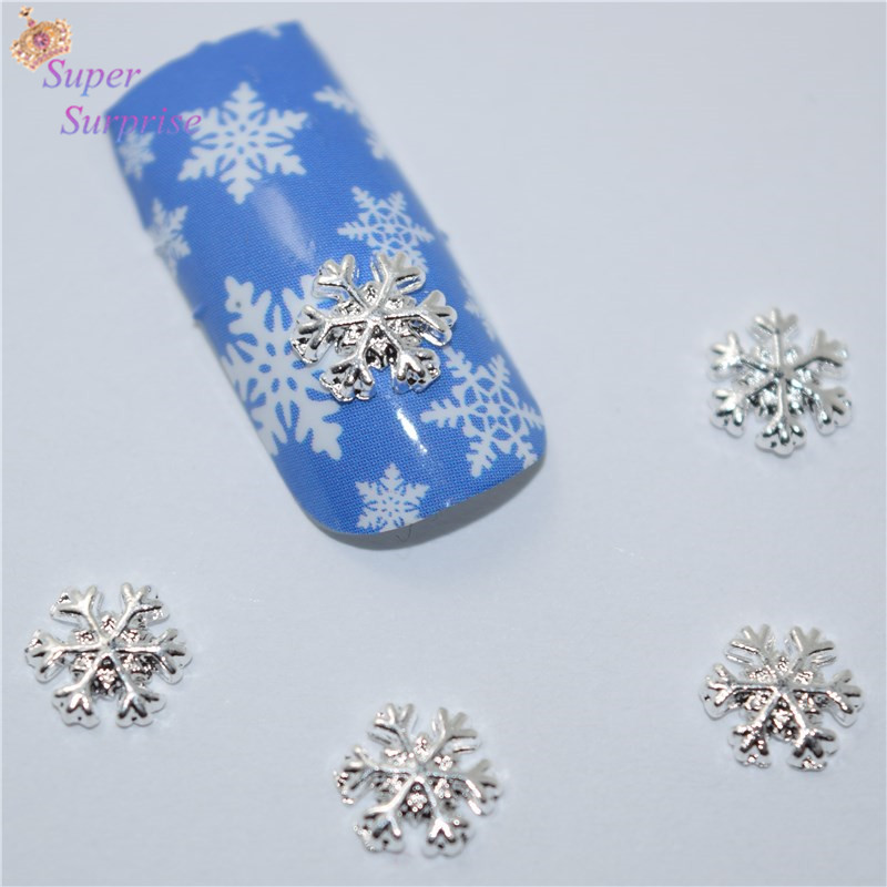 50 Pcs nouvelle Argent Flocon De Neige nail autocollants, 3D En Métal  Alliage Nail Art Décoration Charmes Goujons, Ongles 3d Bijoux H016 db41f66d787e