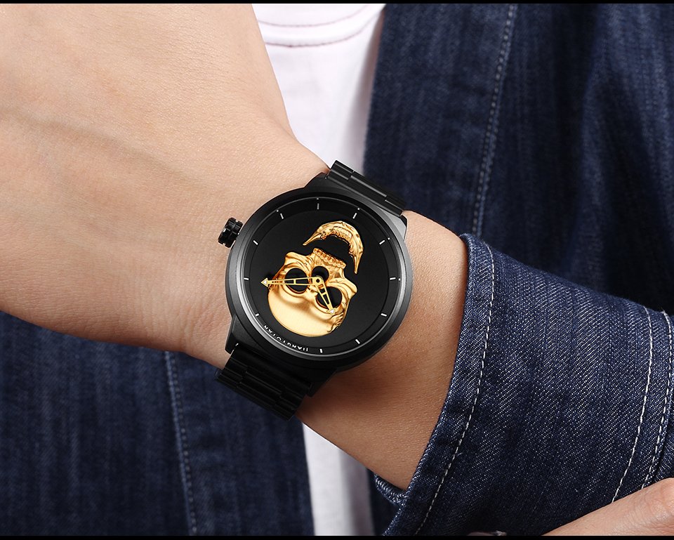 1739-960_10  2018 Scorching Pirate Punk 3D Cranium Males Watch Model Luxurious Metal Quartz Male Watches Retro Trend Gold Black Clock Relogio Masculino HTB1ZuuZnxGYBuNjy0Fnq6x5lpXaM