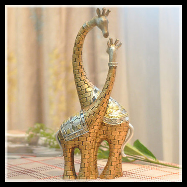 European-style Deer Ornaments,Resin Home Accessories Giraffe Lovers Retro Figurine Decoration Crafts  Living Room  Gift