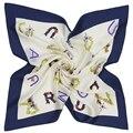 58 cm * 58 cm de Seda de Las Mujeres 2017 Nuevo Diseño De Moda Euro Muchas Cartas de fondo Blanco Flor Diadema Pequeña Plaza Bufanda delgada Caliente de La Venta