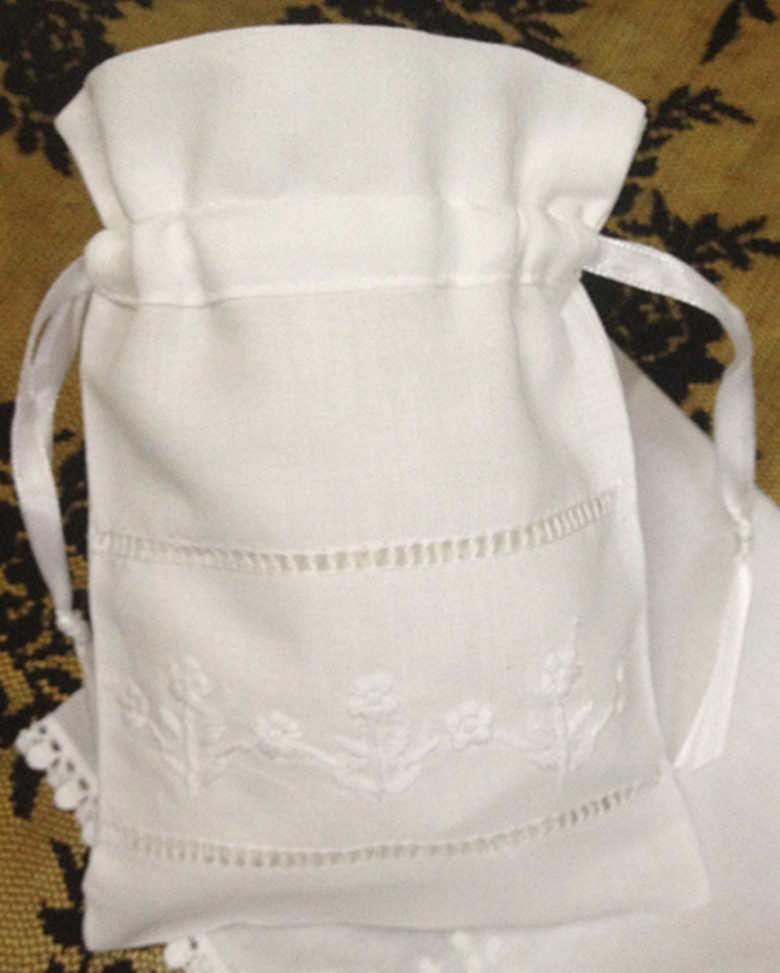 """Moda regalos bolsas 48 unids/lote 5 """"x7"""" de lino blanco Favor bolsas pueden colección hermosa boda pañuelos Ideal para pañuelos"""