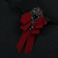 זכר של משלוח חינם ניו הגברים 2017 חתן קוריאני שמלת אישה האופנה חתונה שושבין החתן כלת צווארון אדום עניבת פרפר שחור