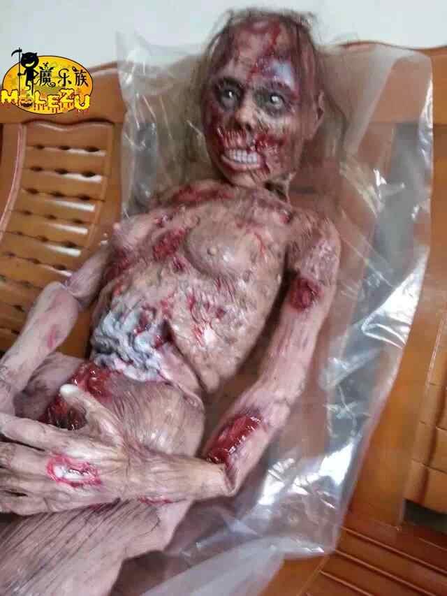 Hot Sale 2017 Dekorasi Horor Halloween Creepy Zombie Ghost Scary Berdarah Zombie Tubuh Penuh Melarikan Diri untuk Rumah Berhantu Bar Alat Peraga