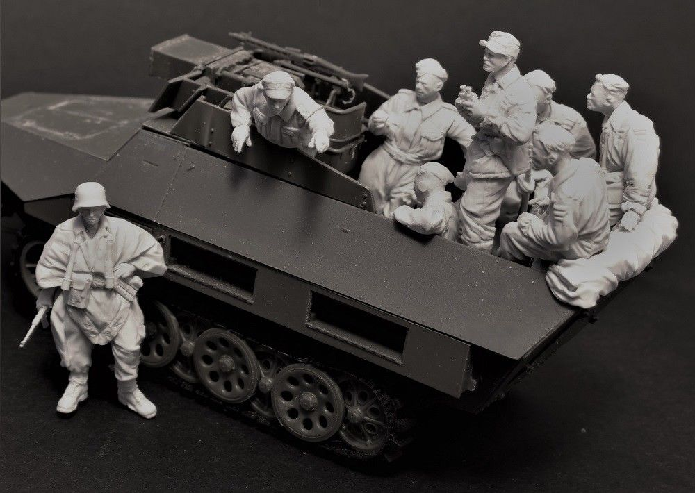 1 35 Resin Figure Model Kit Unassambled Unpainted 465 11 figures NO CAR