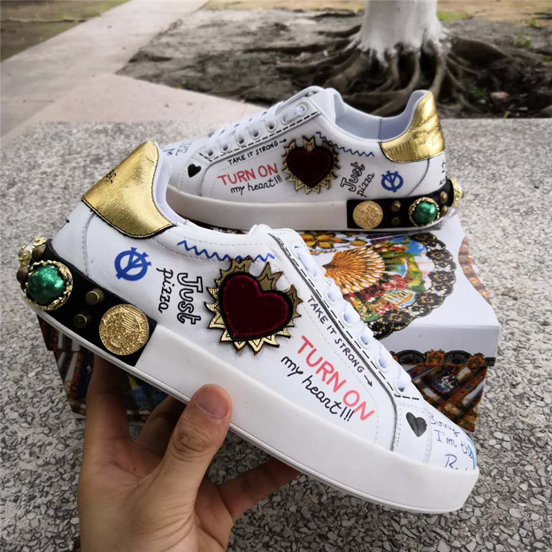 Luxury Brand Mens Sneakers Genuine Leather Graffiti Round Toe Lace Up Mens Flats Casual Shoes British Style rhinestone Shoes Men sexy leopard seude leather mens loafers luxury rivets round toe lace up flats casual shoes trainers ultra boosts tenis feminino
