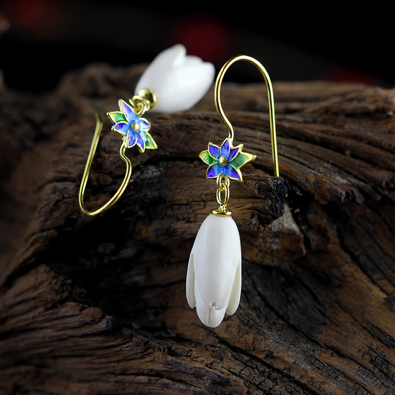 The character of silver S925 silver jewelry fashion boutique earrings Shaolan lady orchid new hot the character of the new fashion women s silver moon moon goddess calla true to life s925 ring