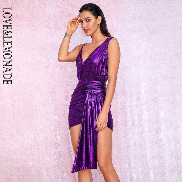 فستان للحفلات عاكس للحفلات من LOVE & LEMONADE ذو رقبة على شكل v باللون الأرجواني المزين بطيات ومزين بشريط مناسب للجسم طراز LM81846