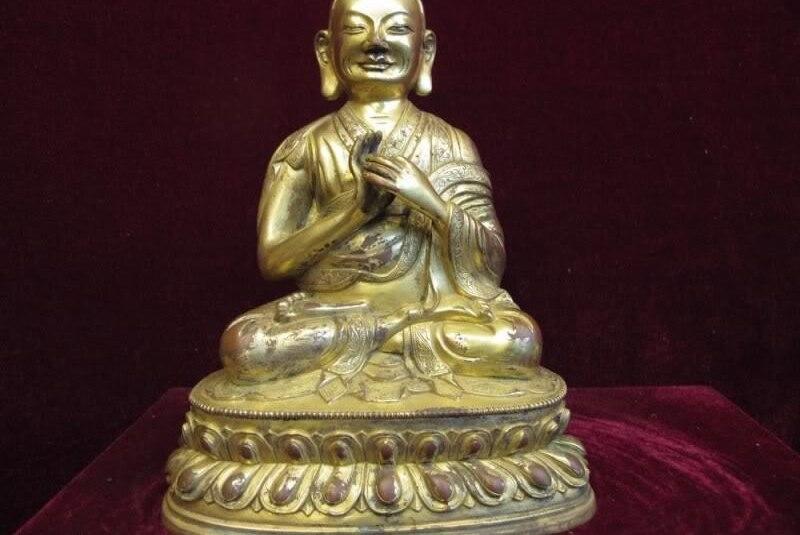 8 inch Tibet Lhasa Red Copper Bronze 24K Gold Gilt temple lama Buddha Statue8 inch Tibet Lhasa Red Copper Bronze 24K Gold Gilt temple lama Buddha Statue