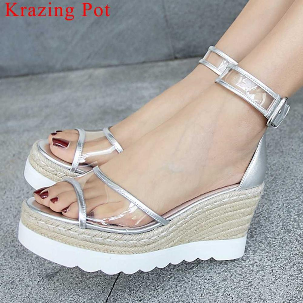 Krazing Pot cow leather transparent pvc patchwork wedges platform buckle strap peep toe straw decoration increased sandals L13Krazing Pot cow leather transparent pvc patchwork wedges platform buckle strap peep toe straw decoration increased sandals L13