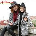 2017 novos modelos primavera outono mãe filha família clothing turn-down collar plaid pattern longo do revestimento do revestimento casacos 2 cores