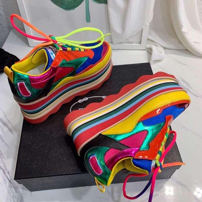 2019 nowych kobiet sneakers platformy zasznurować wysokość zwiększenie kobiety skórzane wygodne najwyższej jakości cacusal buty w Damskie buty typu flats od Buty na  Grupa 1