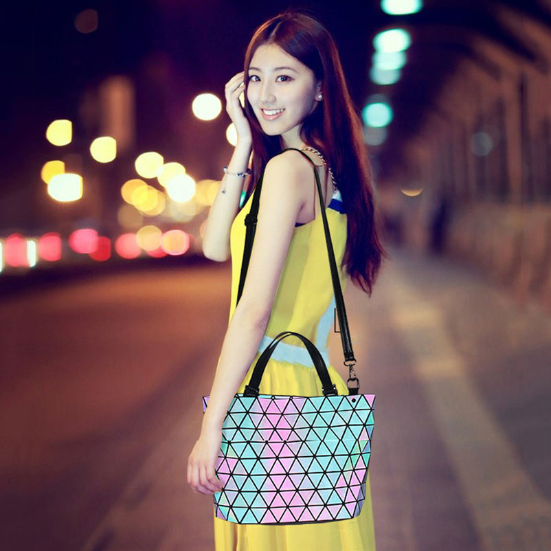 Nevenka Women Luminous Handbag Leather Shoulder Bag Women Geometric Handbags 2018 Large Tote Bag for Women Leather Crossbody Bag03