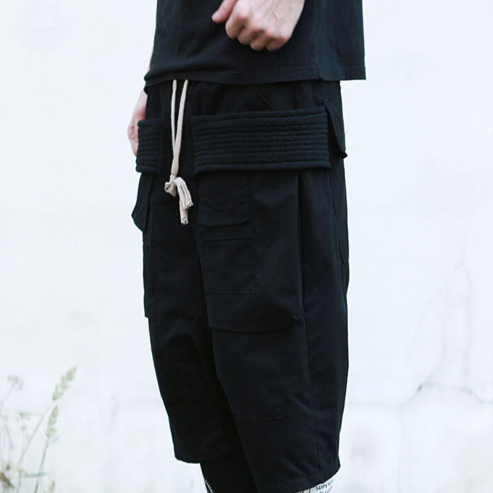 In 2017 the big yards men s trousers 27-44 Spring and summer shorts male rickowens multi-pocket caprisThe singers clothing