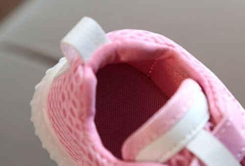 ใหม่แฟชั่นรองเท้าทารกแรกเกิดเด็กวัยหัดเดินเด็กทารกเด็กหญิงเด็กรองเท้า Light Up รองเท้า LED รองเท้าเด็กสบายๆรองเท้า