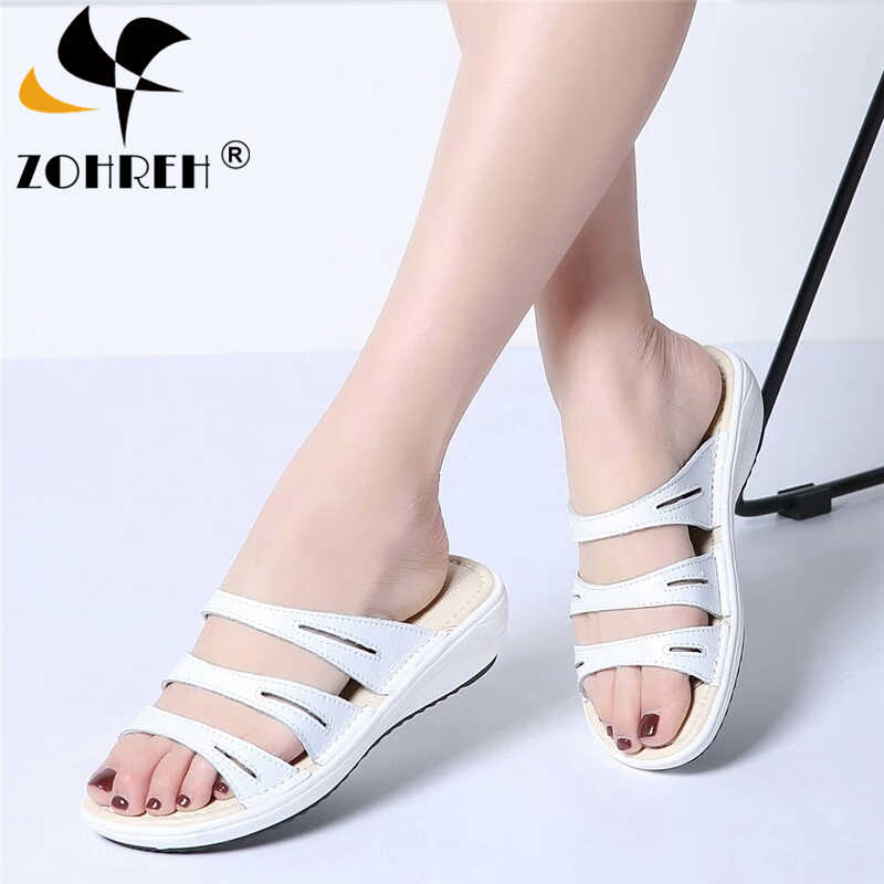 2019 New Summer Women Flat Sandals Shoes Black White Beach Slippers Round Toe Comfortable Sandals Flip Flops Female Wedge Shoes