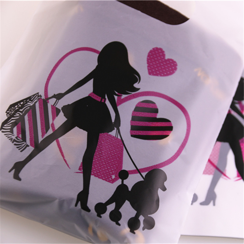 2018 New Design Wholesale 100pcs/lot 15*20cm Lovely Cartoon Packaging Bags with Handles Plastic Gift Bags For Shopping