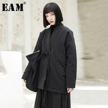 [EAM] 2020 חדש אביב V צווארון ארוך שרוול שחור רופף קצר תחבושת כותנה מרופדת גדול גודל מעיל נשים אופנה JK133
