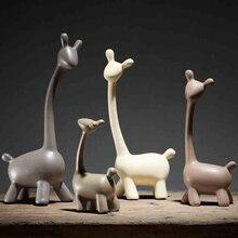 High quality Creative A family deer Wedding gift Ceramic arts and crafts sitting room decor TVark Furnishing articles giraffe