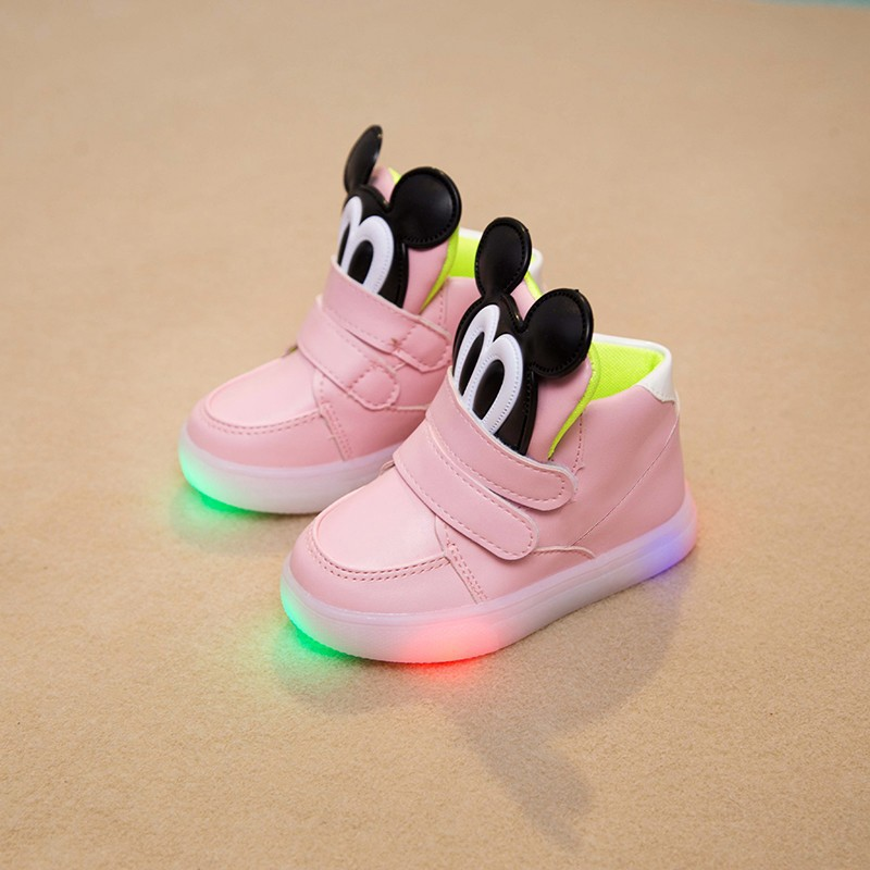 b17dfe0a1c14 2018 New Cool cartoon Lighted LED colorful baby sneakers Lovely baby ...