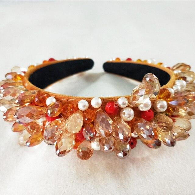 роскошный блестящий кристалл модный современный стиль корона фотография