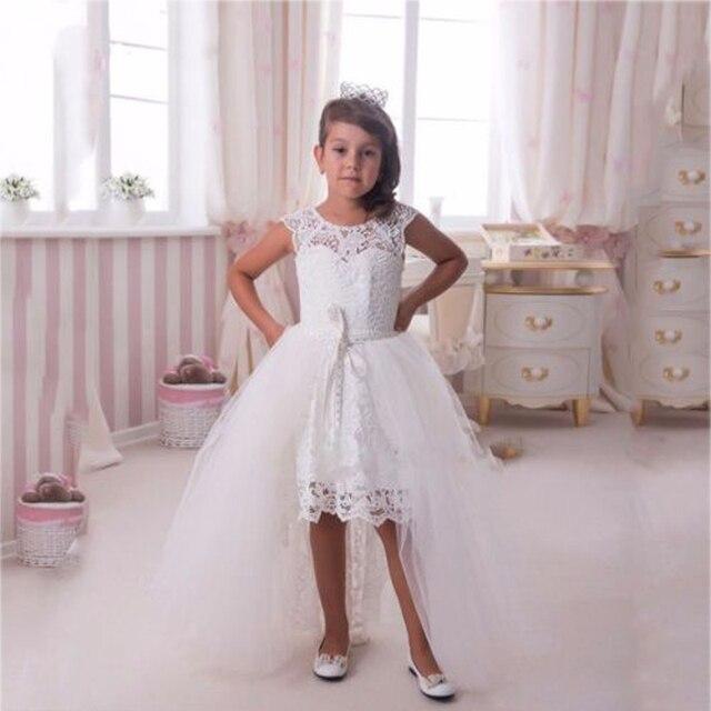 4198996fedc9 Alto Basso Abiti Flower Girl con Lungo Strascico Staccabile Pizzo bianco Comunione  Abito Prima Comunione Abiti