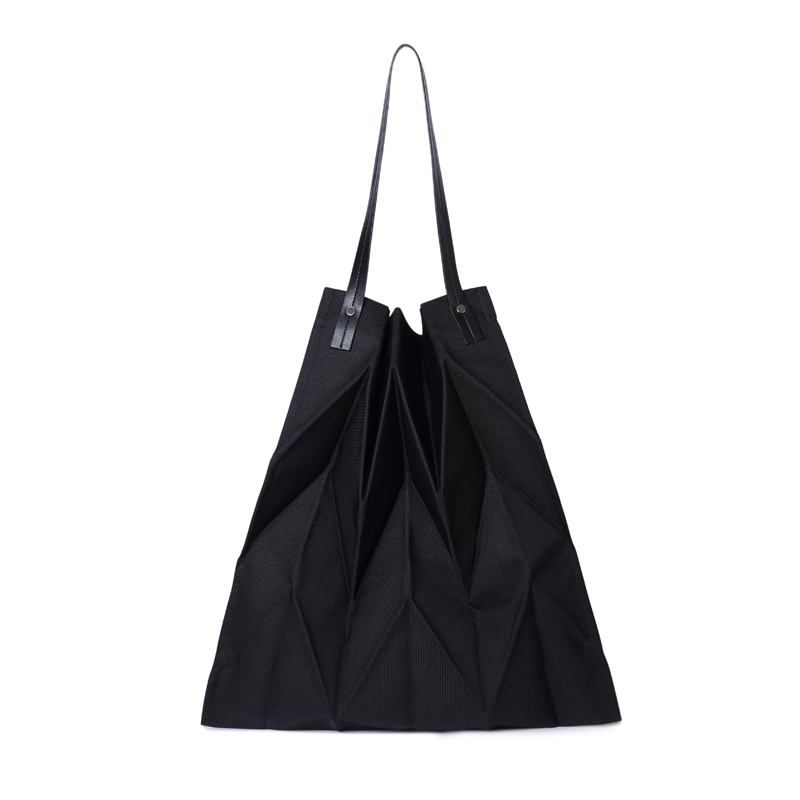 Foldable Pleated Shoulder Bag Large Capacity Canvas Shopping Bag For Women Female Causal Chic Tote Bag Japanese Style Beach Bag