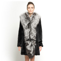 ZY89005 Women Elegant Real Mink Fur With A Big Silver Fox Fur Collar Winter Warm Fur Coat Long Windproof Jacket