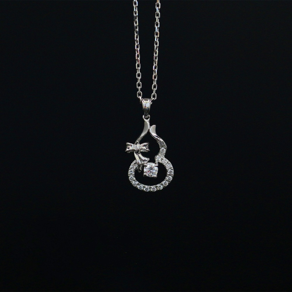Halo 0.107CT 18k Gold Round Cut Square Center Pave Set Natural Diamond Pendant Necklace Chain Women Fine Jewelry