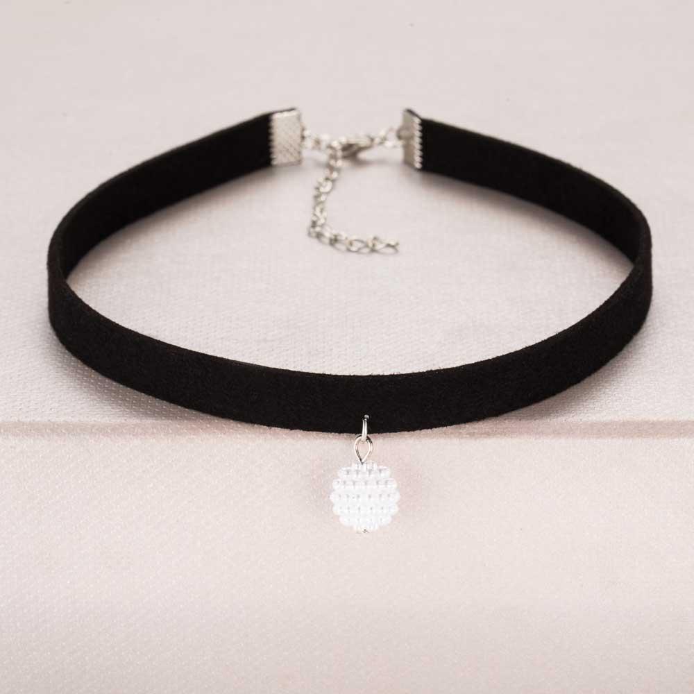 Obojkový náhrdelník s perličkou