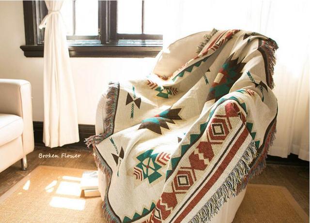 Kilim Sofa Blanket – Geometric Pattern – Beige