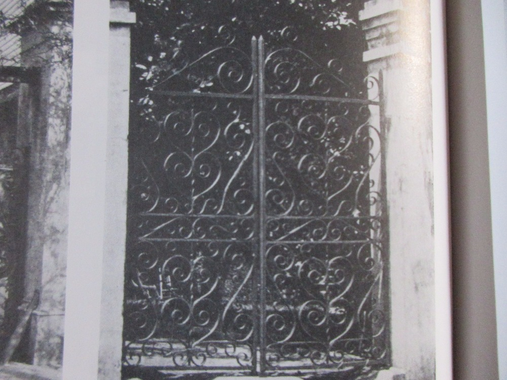 Hench 100% Handmade Forged Custom Designs Whole Sale Wrought Iron Gates