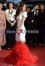 2016 neueste Einbau Sexy Lady Schöne Neue Mode Mit Kurzen Ärmeln Rot Weiß Federn Mermaid Lange Pageant Ereignis Abendkleider