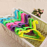 Set of 50 Pieces Hangers for Baby and Child in Plastic Durable Plastic Hangers Hook of 5 Color for Girl or Boy 27 x 15 cm
