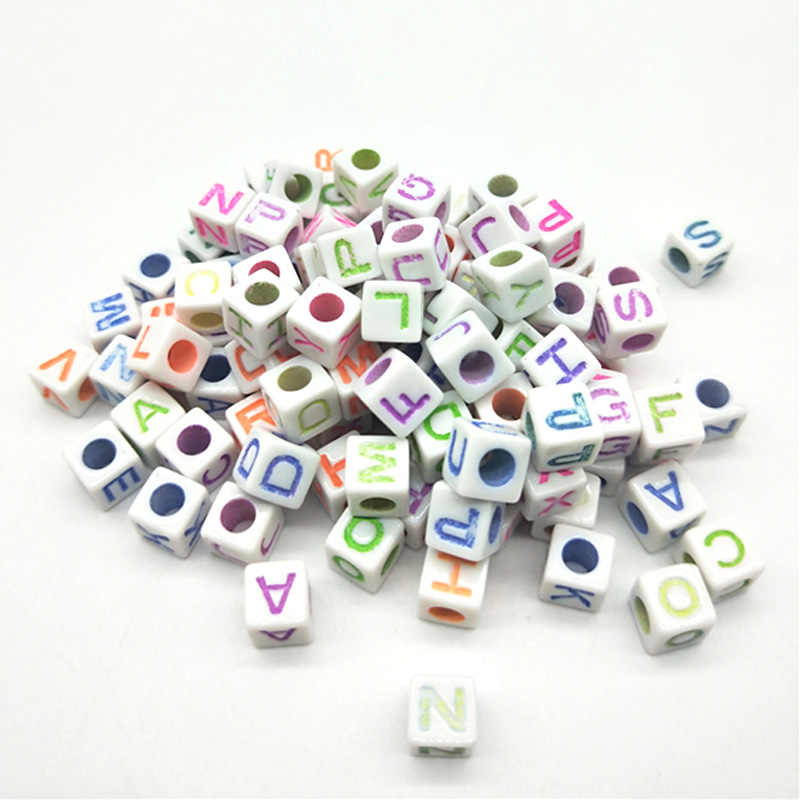 100 ชิ้น/ล็อต 7 มม.Handmade รอบสแควร์ตัวอักษร/ตัวอักษรอะคริลิคลูกปัดสำหรับ DIY สร้อยข้อมือสร้อยคอตัวอักษรแบบสุ่มของขวัญ