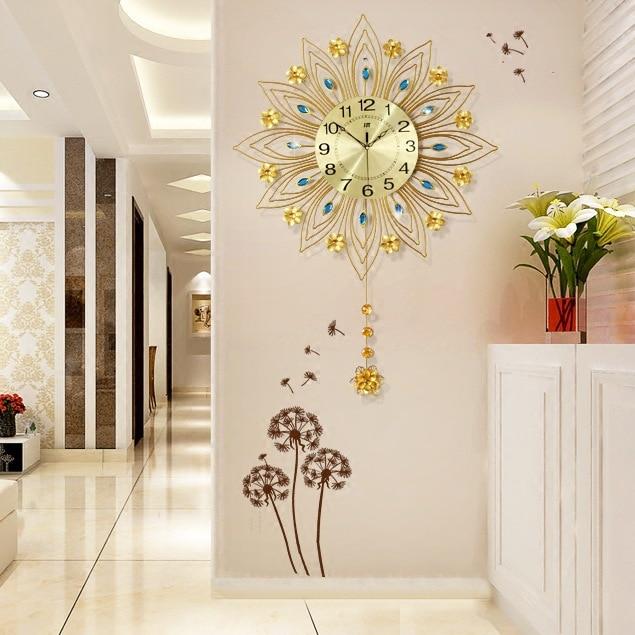 European Metal Wall Clock Living Room Mute Clock Creative Home Clock Wrought Iron Fashion Decorative Quartz Clock 2019 Hot Sale