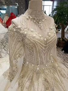 Image 4 - LS17233 royal golden lace wedding gown with crystal necklace o neck long sleeve robe ceremonie femme mariage