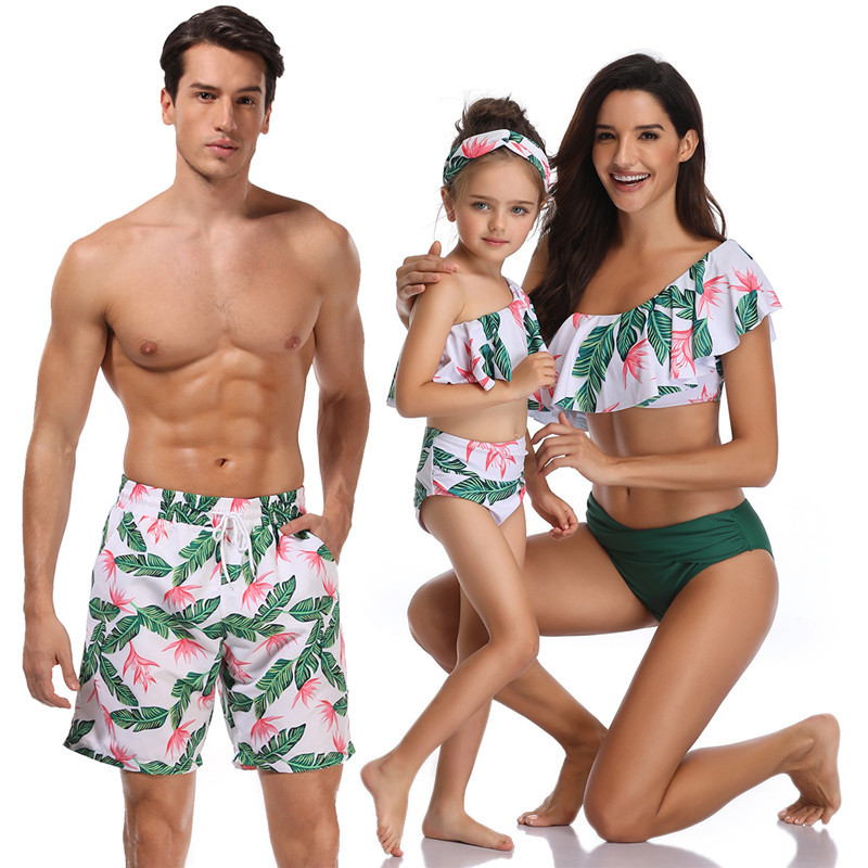 Nouvelle maman maillot de bain filles papa Son short de plage mère et fille famille correspondant Look tenues maman moi maillot de bain serviette vêtements 2