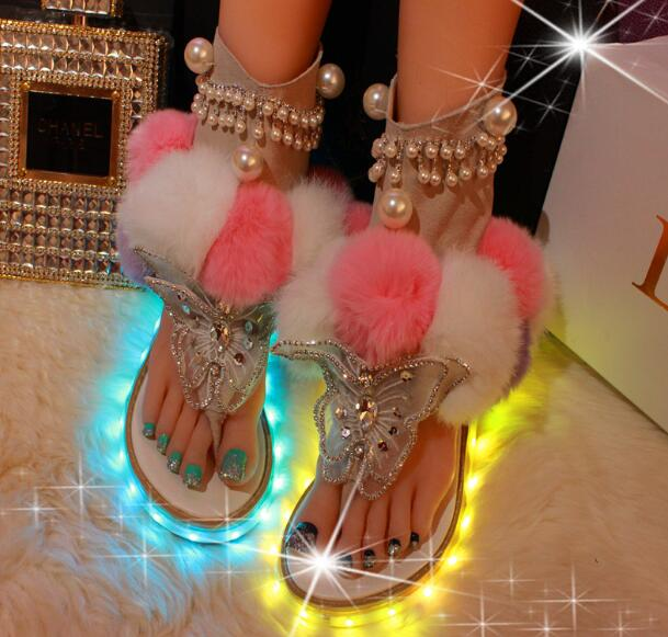 Women Flat Pom Pom Sandal Mixed Color Fur Gladiator Sandal Summer Crystal Butterfly-knot Fashion Shoe Cutouts Sandal women flat pom pom decor flat sandal crystal butterfly knot summer shoe cutouts sandal mixed color fur gladiator sandal
