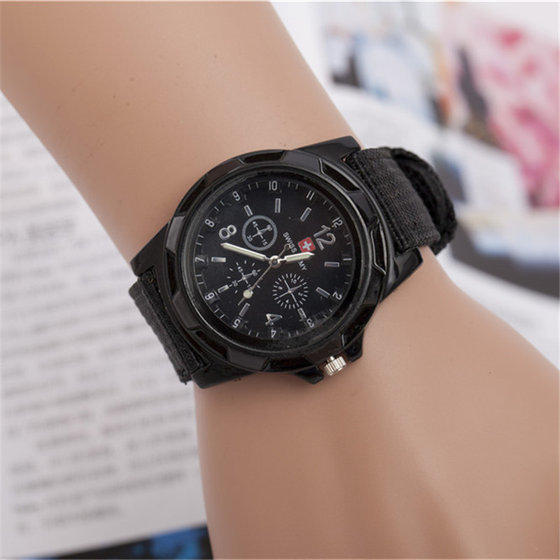 цена на 2018 Fashion Children Watches Boy Nylon Strap Wristwatch Student Casual Quartz Watch Kids Lovely Cartoon Watch Clock de reloj