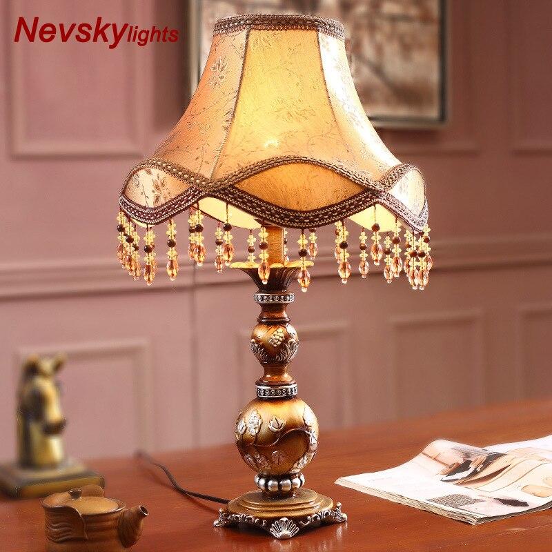 Home decor Bedding Art Decor Resin Table Lamp Decorative Green Vase Desk Light Home Luminaria de