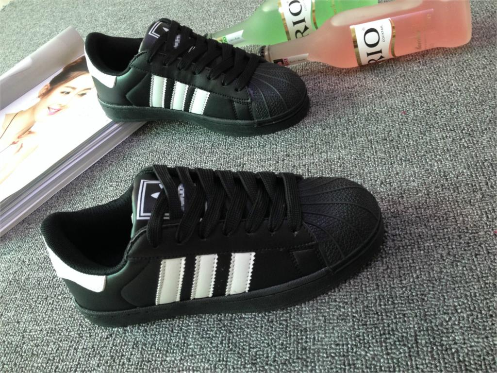 bfaaf046ee8 Factory wholesale Korea classic shell toe shoe Korean sports Taobao  explosions shoes for men and women-in Men s Casual Shoes from Shoes on  Aliexpress.com ...