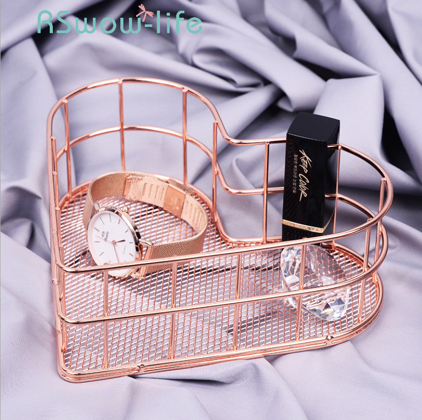 Heart shaped Golden Wrought Iron Storage Basket Simple Rose Gold Metal Baskets Storage Sundries Storages Fruit Basket-in Storage Baskets from Home & Garden