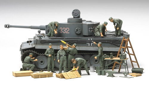 1/ 48 German <font><b>Tank</b></font> Maintenance Group ( W/ 9 Figures ) Soldier Model 32547 image