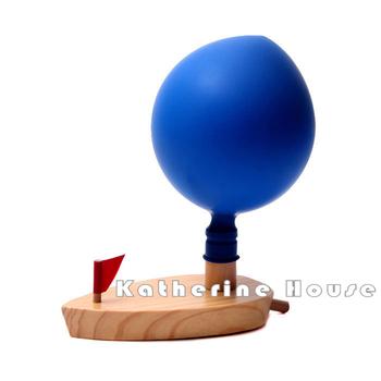 2016 New Arrival Baby Schylling balon zasilany łódka napędzane klasyczne zabawki kąpielisko edukacyjne wczesny rozwój tanie i dobre opinie Niebieski 13-24 miesięcy 2-4 lat 5-7 lat Poznawcze pływające zabawki Drewna QQC001