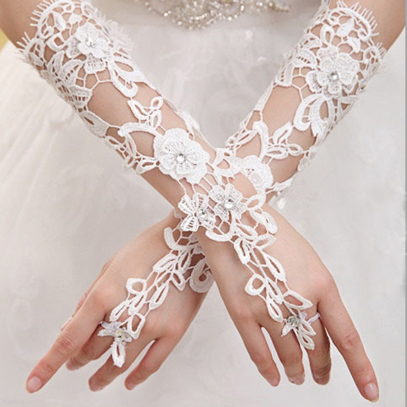 White Indoor Decoration Prom Gloves Sexy Lace Flower Rhinestones Fingerless Gloves Beautiful Party Gloves Accessories